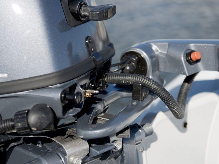 moteur hors bord yamaha f8 et f9 9 cv en vente sur la boutique max guerdin
