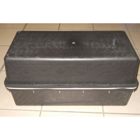bac batterie en plastique noir. Black Bedroom Furniture Sets. Home Design Ideas